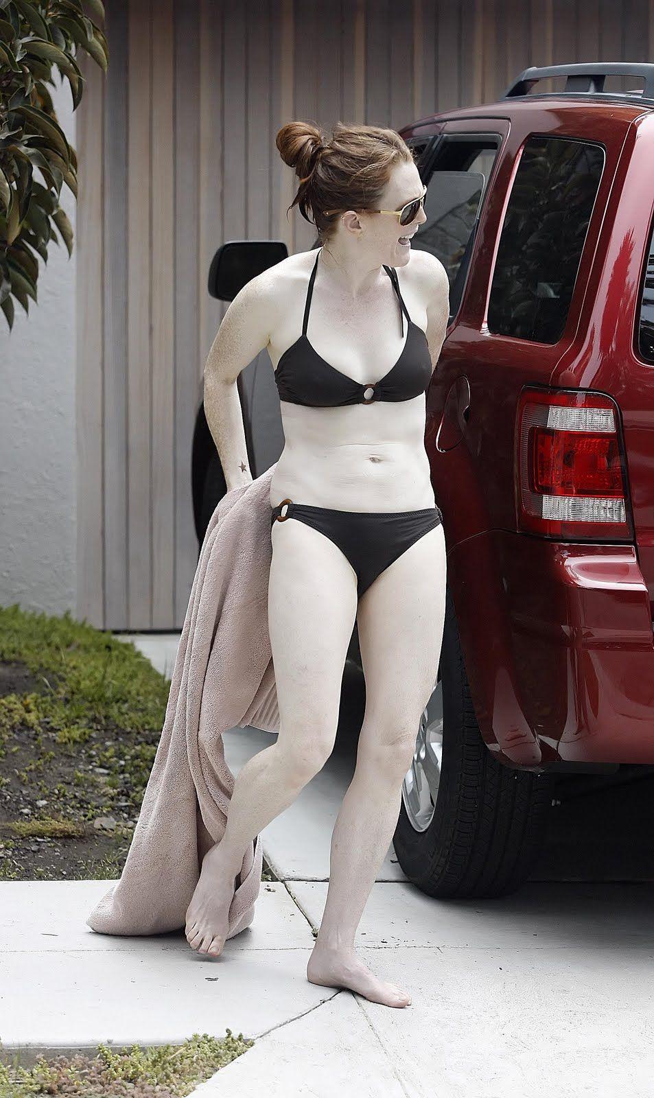 julianne moore in a bikini