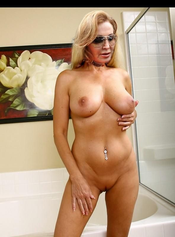 Old nude granny videos-2203