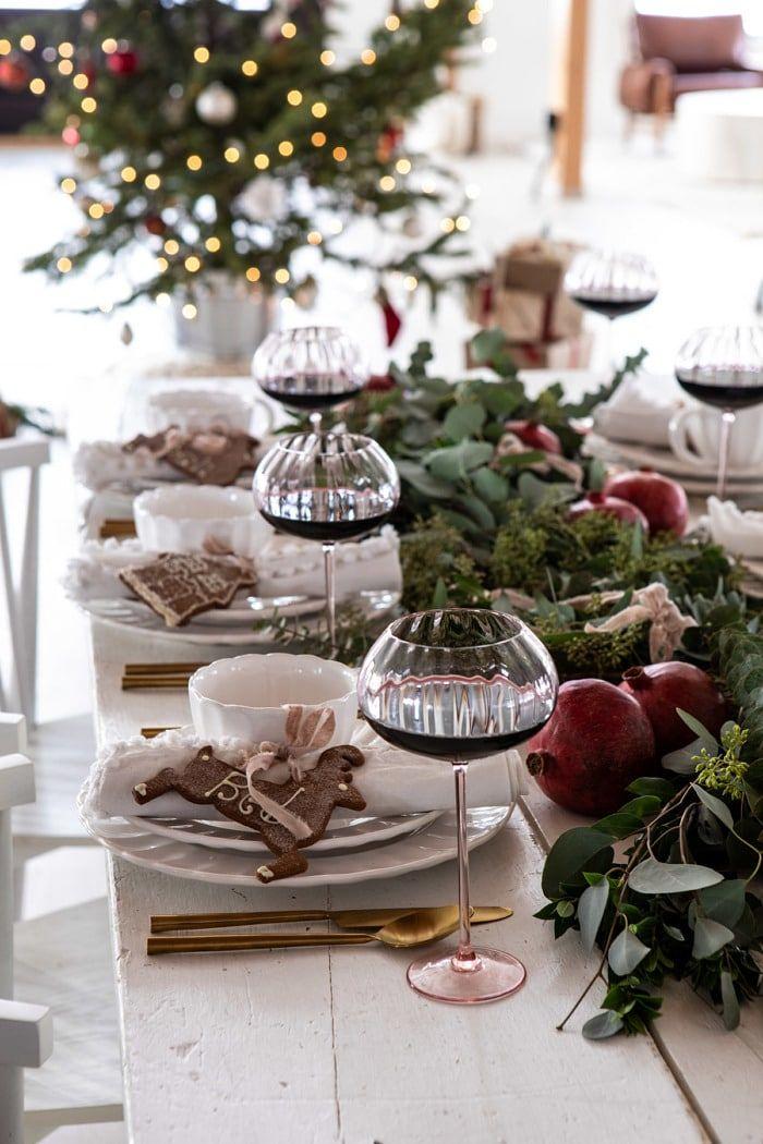 An Easy Christmas Tablescape + My Christmas Menu.