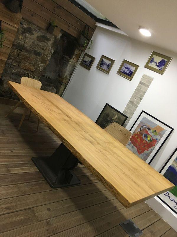 Très Grande Table De Réunion Industrielle , Pied Central