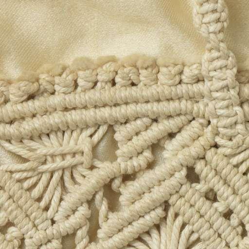 Tas in een plat, rechthoekig model, van crèmekleurig katoen macramé met een crèmekleurige satijnen voering, anoniem, ca. 1920 - Zoeken - Rijksmuseum