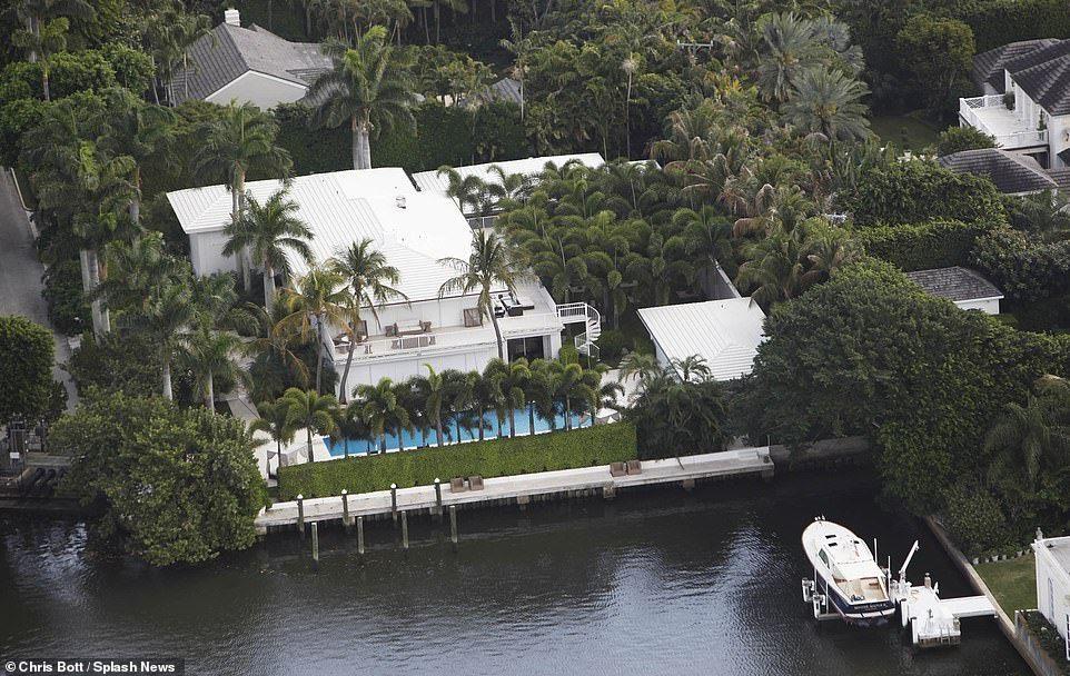 Jeffrey Epstein S Mansions In Manhattan And Palm Beach Hit The Market Palm Beach Beach Mansion Beach Properties