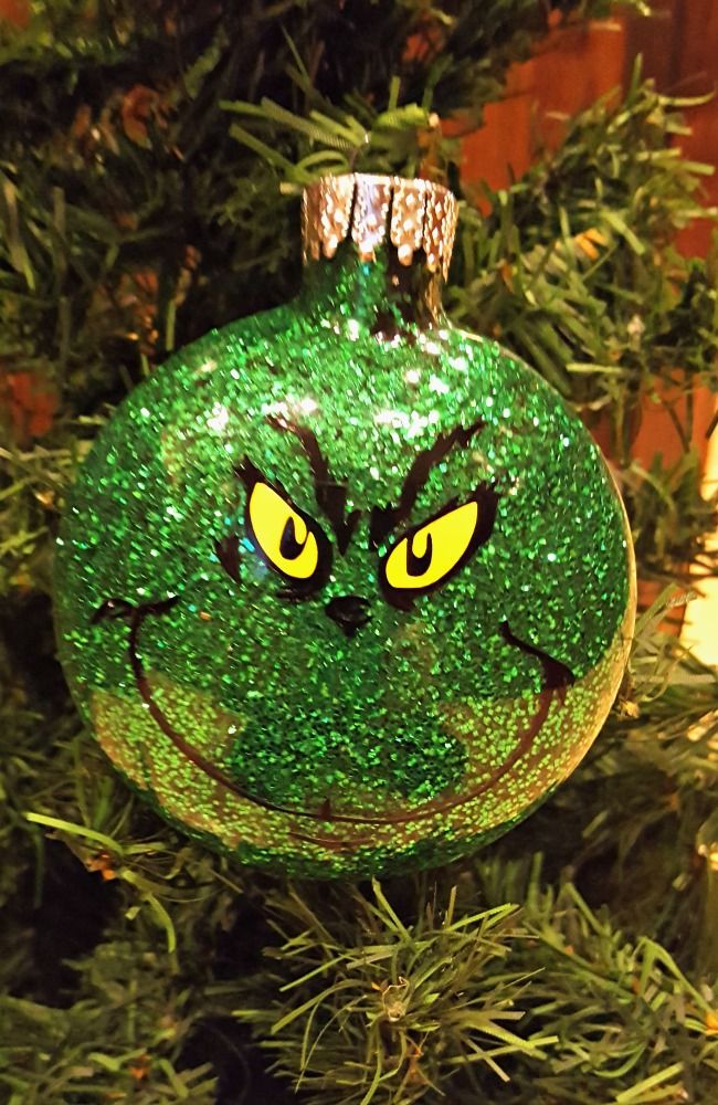 Learn How to Make Personalized DIY Glitter Ornaments