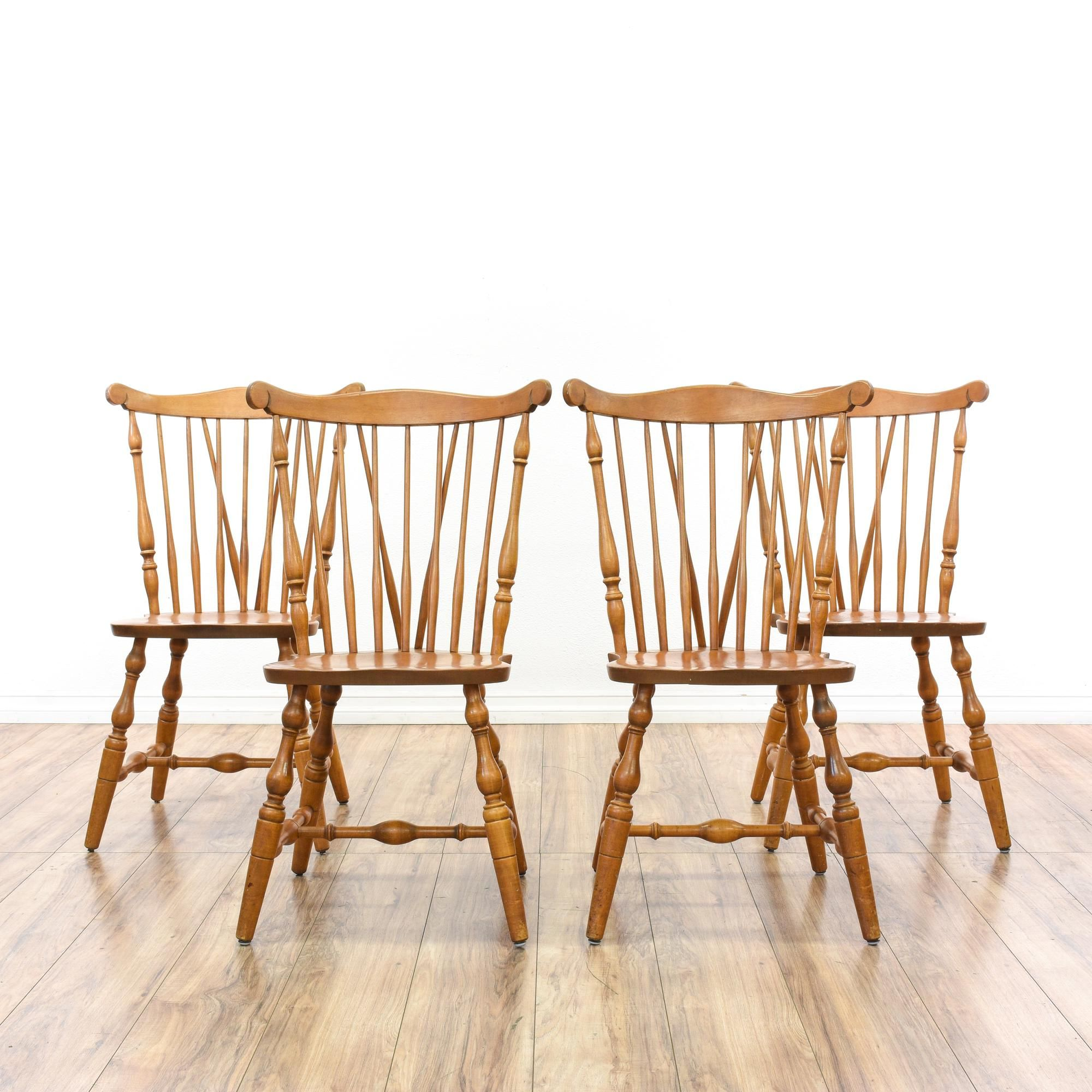 This Set Of 3 S Bent Bros Windsor Back Dining Chairs Is Featured In A Solid Maple Wood With A Glossy Finish Each Country Dining Chairs Chair Vintage Chairs