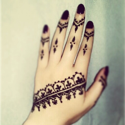 Beautiful Causual Ethnic Mehndi Design