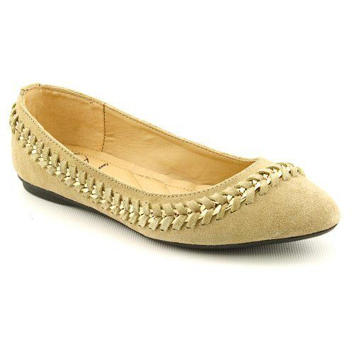 Penny Loves Kenny Womens Farley Flat,Sand,9.5 M US: Feel fabulous in the Farley. This Penny Loves Kenny flat delivers a sand suede upper with braided chain detail trimming the silhouette. Wear these jazzy flats with a comfy sweater and denim to complete your fall look. $99.00