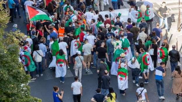 L'Algérie rappelle son ambassadeur en France après la