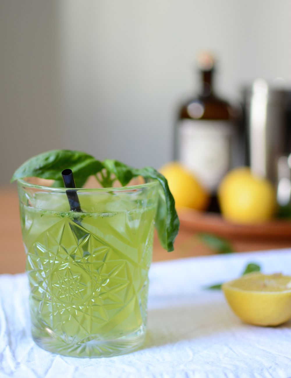 Drinks: Gin Basil Smash | // My Drinks | Pinterest