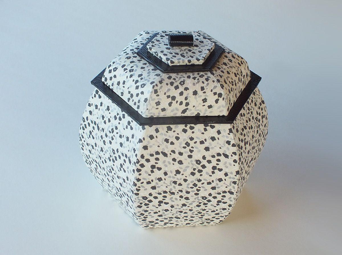 c 39 est beau le noir et blanc boxes. Black Bedroom Furniture Sets. Home Design Ideas