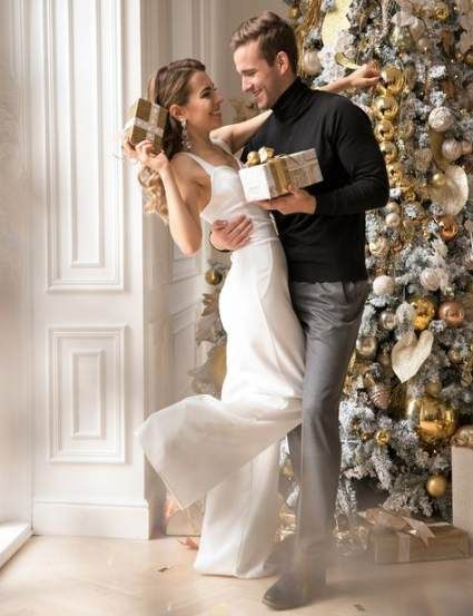 34 Trendy photography couples christmas -   14 christmas photoshoot couples studio ideas