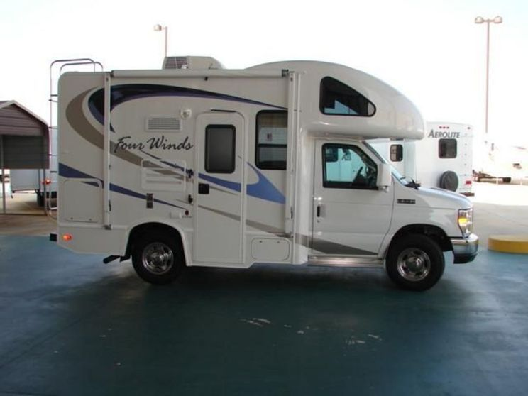 25 Best Small Rv Camper Design Ideas For Simple And Fun Summer