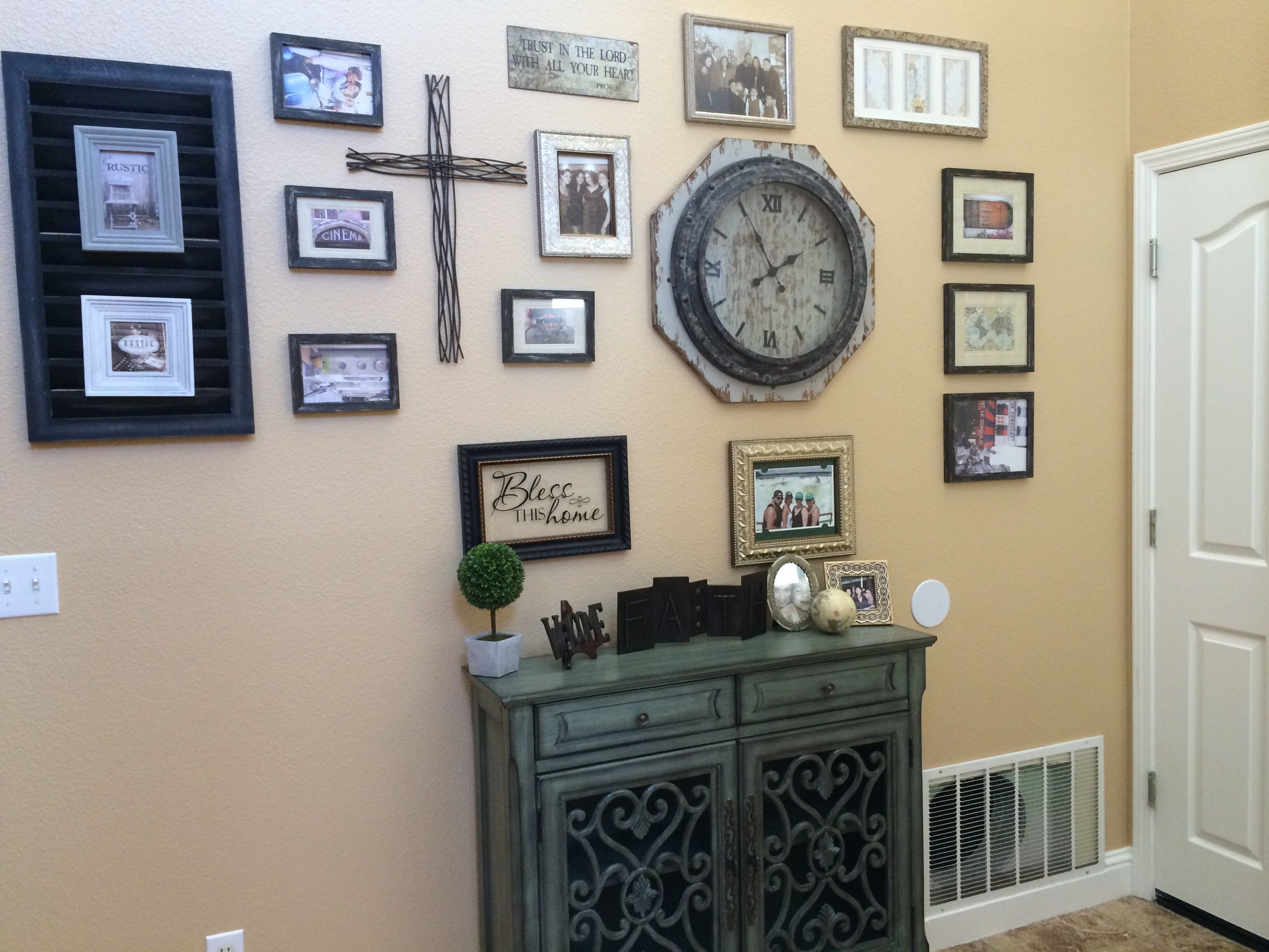 Frames clock and other items from Hobby