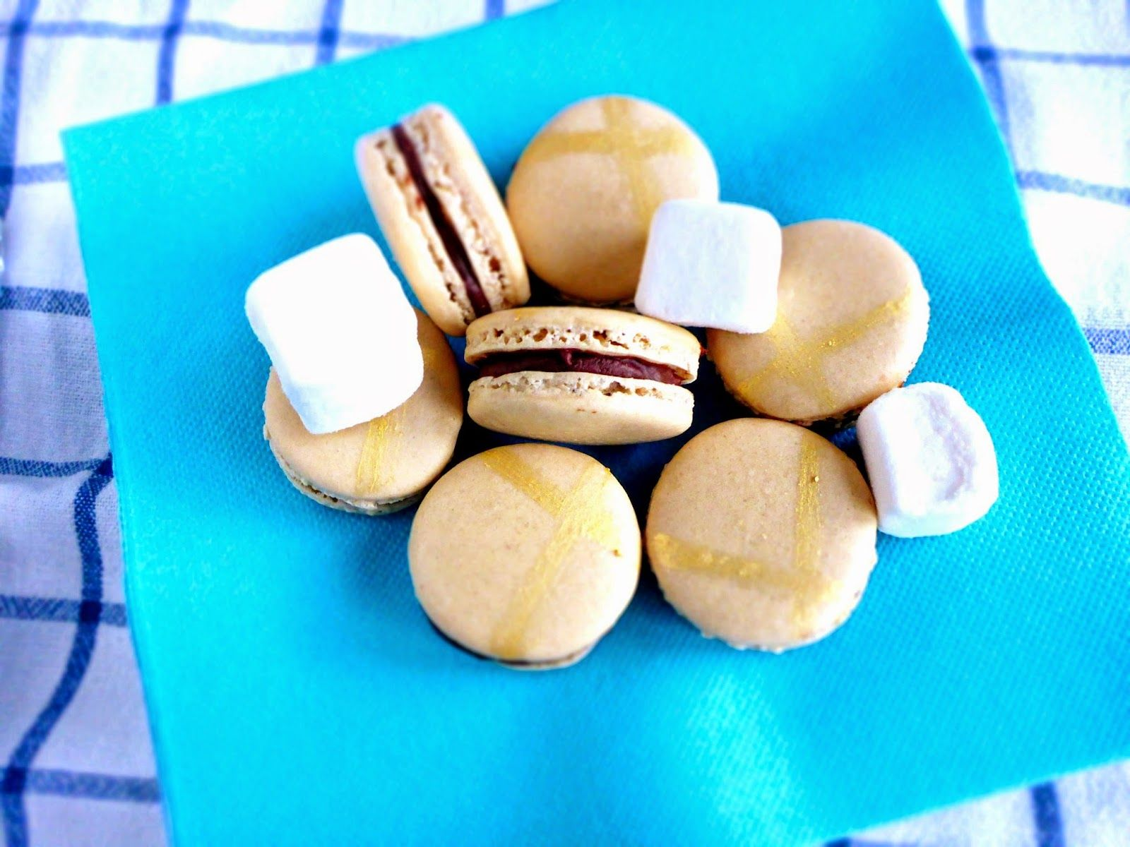 how to make easy chocolate macarons