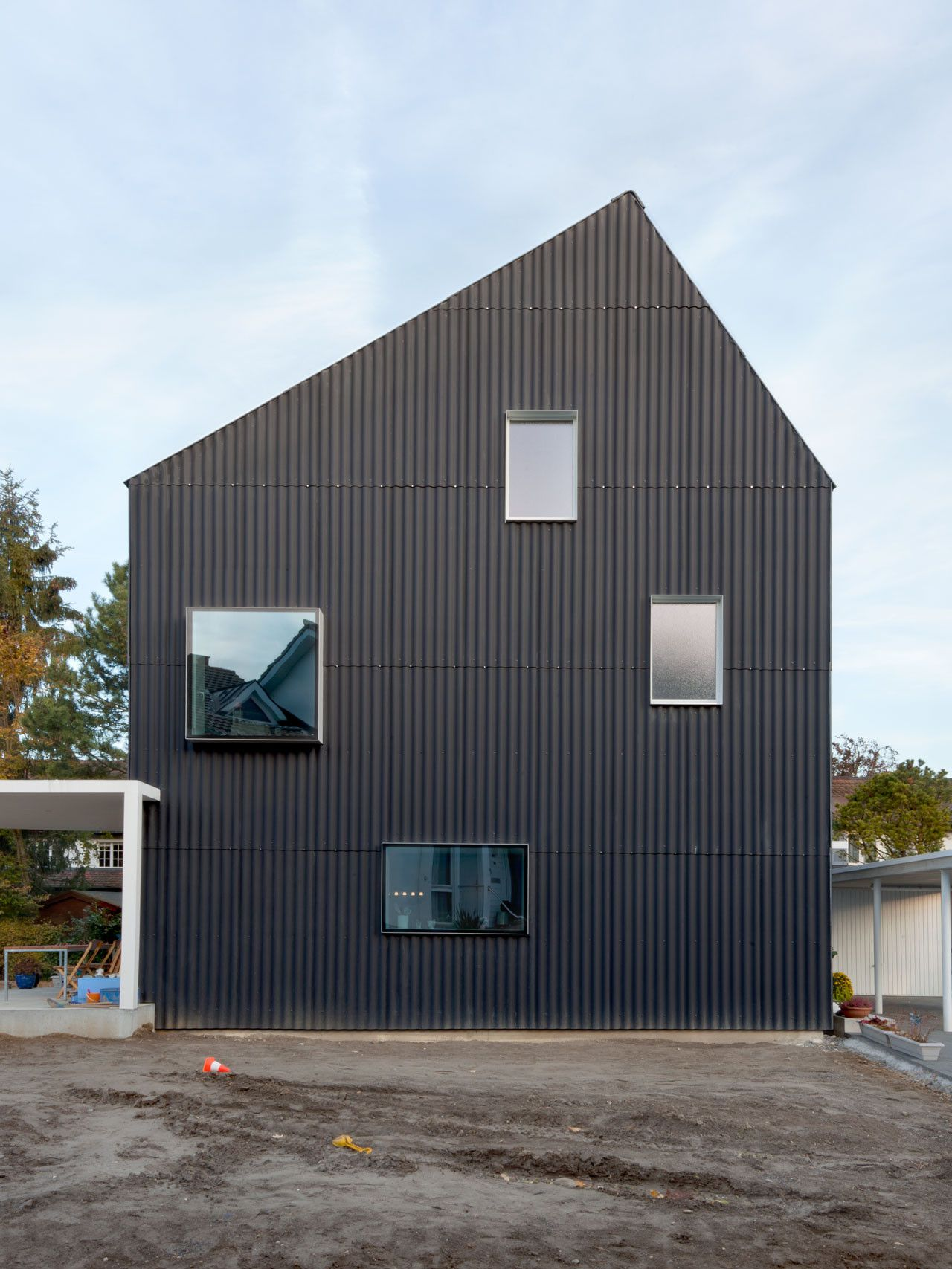 Gallery Of House In Bellmund Exh Design 3 House Cladding Metal Cladding Cladding