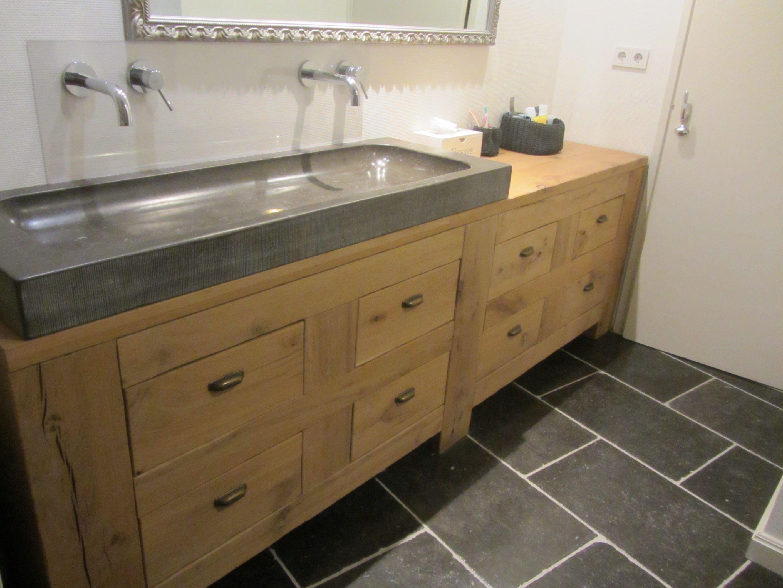 exclusief houten badkamermeubel in rustiek eikenhout met