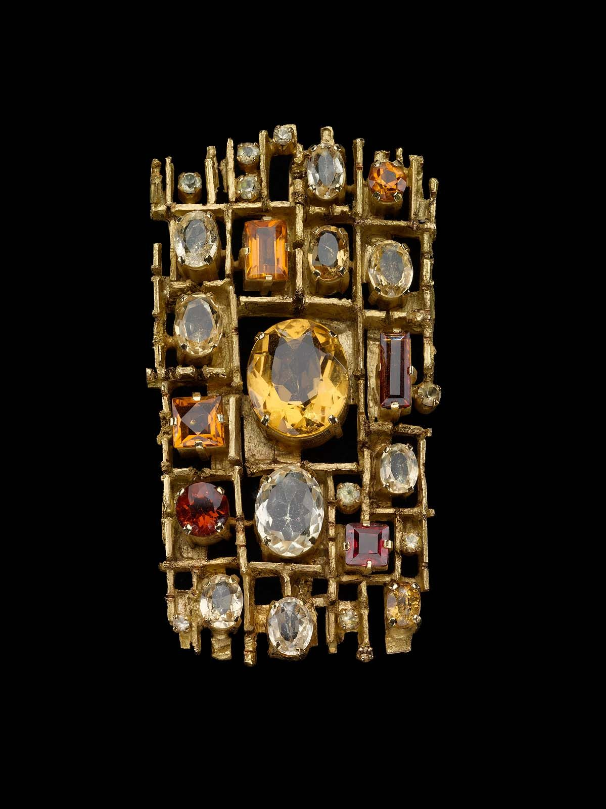 Rectangular gemset pendantbrooch the brooch consists of a