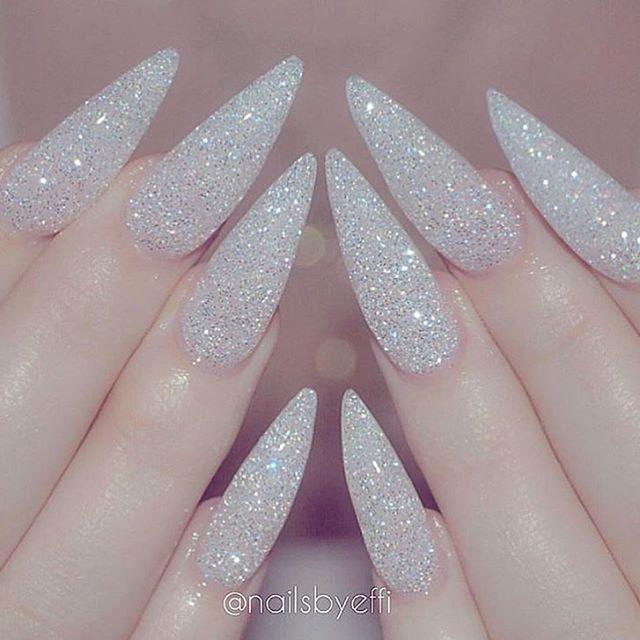 I\'m loving these holiday nails @nailsbyeffi   nails   Pinterest ...