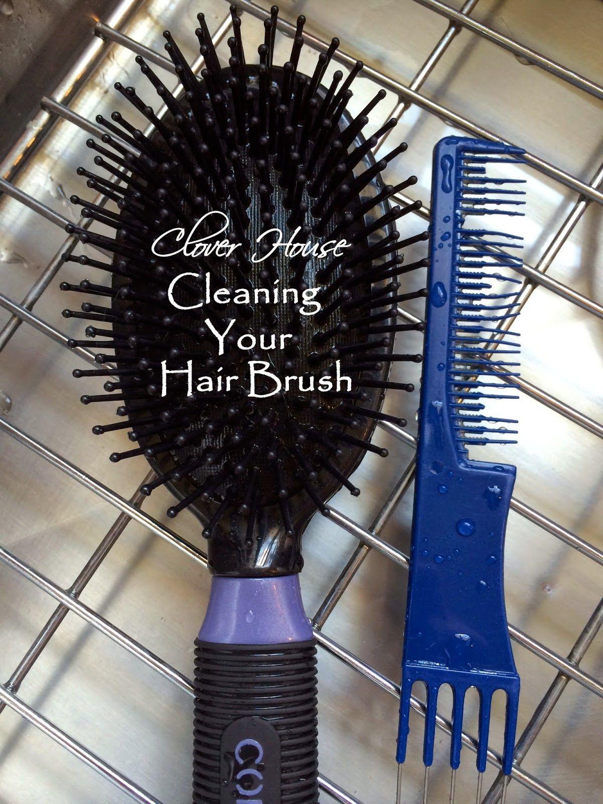 Harjoja ei heitetä pois ku ne alkaa näyttää ällöltä, vaan: Clover House: #Cleaning Your #Hairbrush the Easy Way Toimii, pelkässä soodavedessäkin lillutus jees.