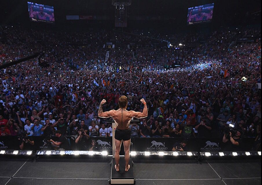 Biggest Ufc Weigh In Of All Time Ufc189 Connor Mcgreggor Conor Mcgregor Ufc Conor Mcgregor Ufc 189