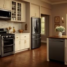 white kitchens with black stainless appliances - Google Search#appliances #black #google #kitchens #search #stainless #white