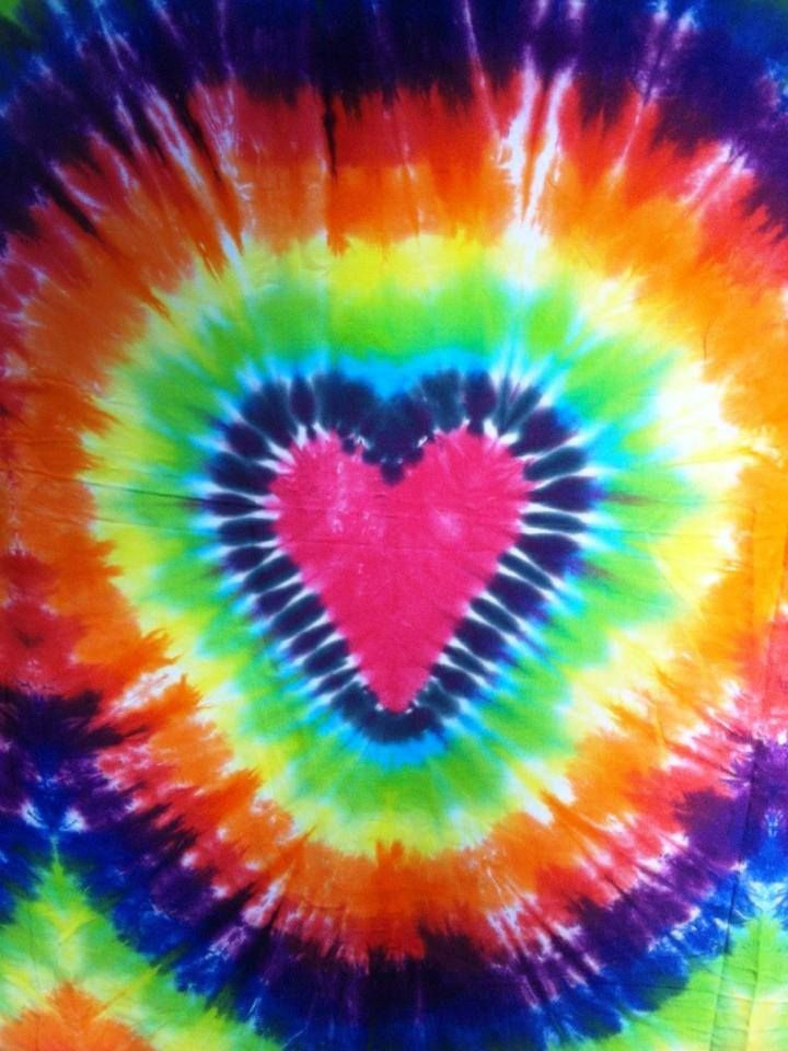 25080ad79861 TIE DYE HEART