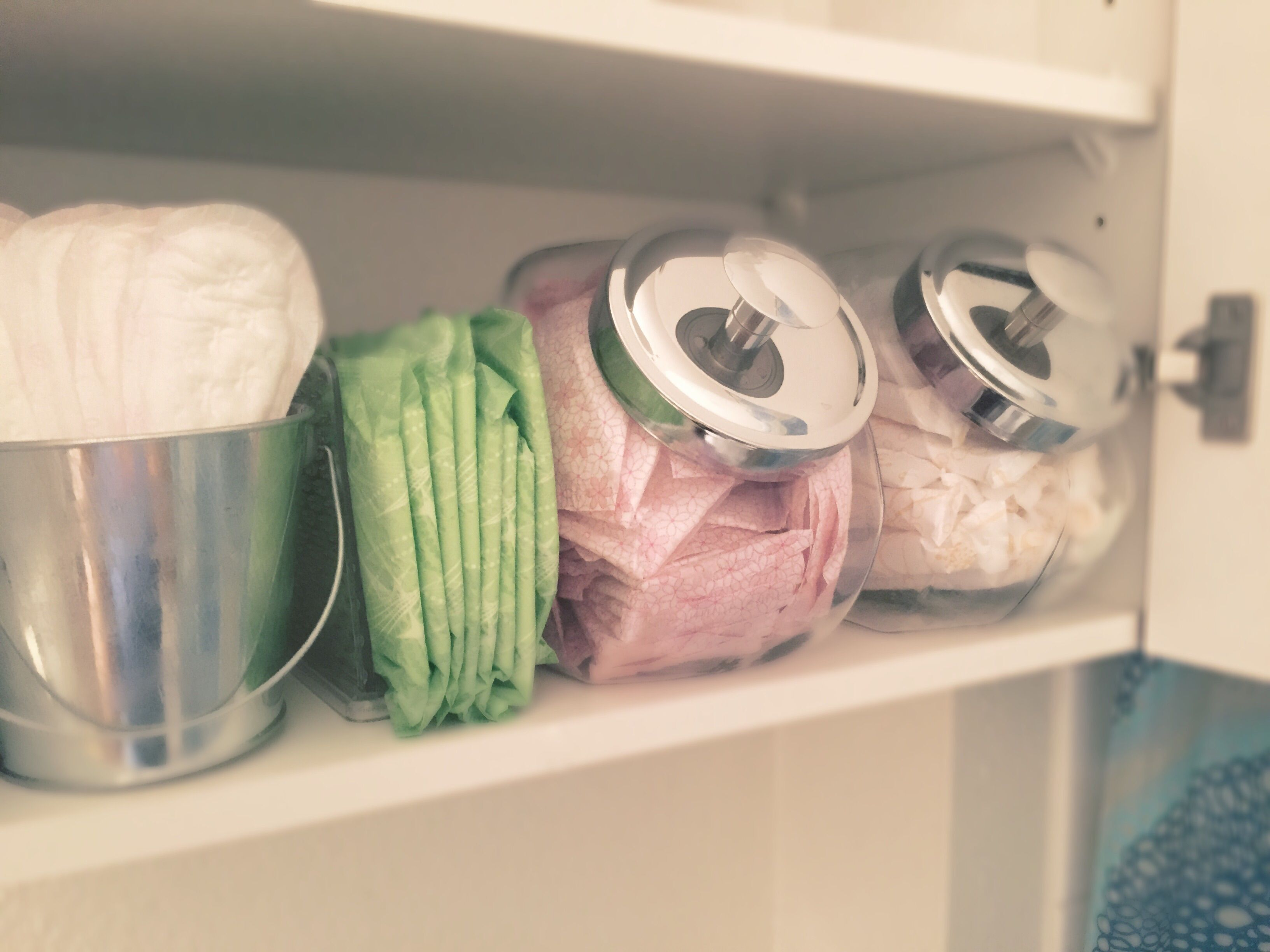 can you go to the bathroom with a tampon in. Looking For A Way To Organize Your Lady Items? Use Cookie Jar Store Tampons And Panty Liners. Napkin Holders Are Great At Neatly Holding Pads. Can You Go The Bathroom With Tampon In S