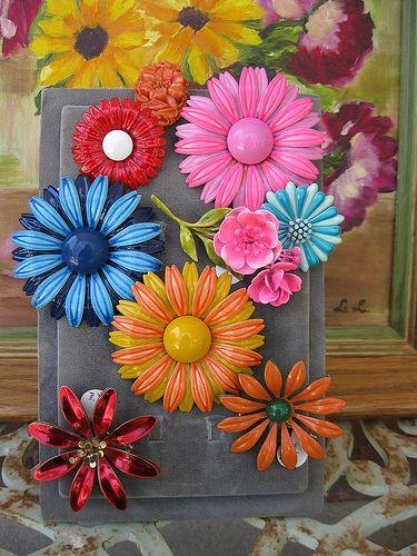 Vintage Flower Pin's