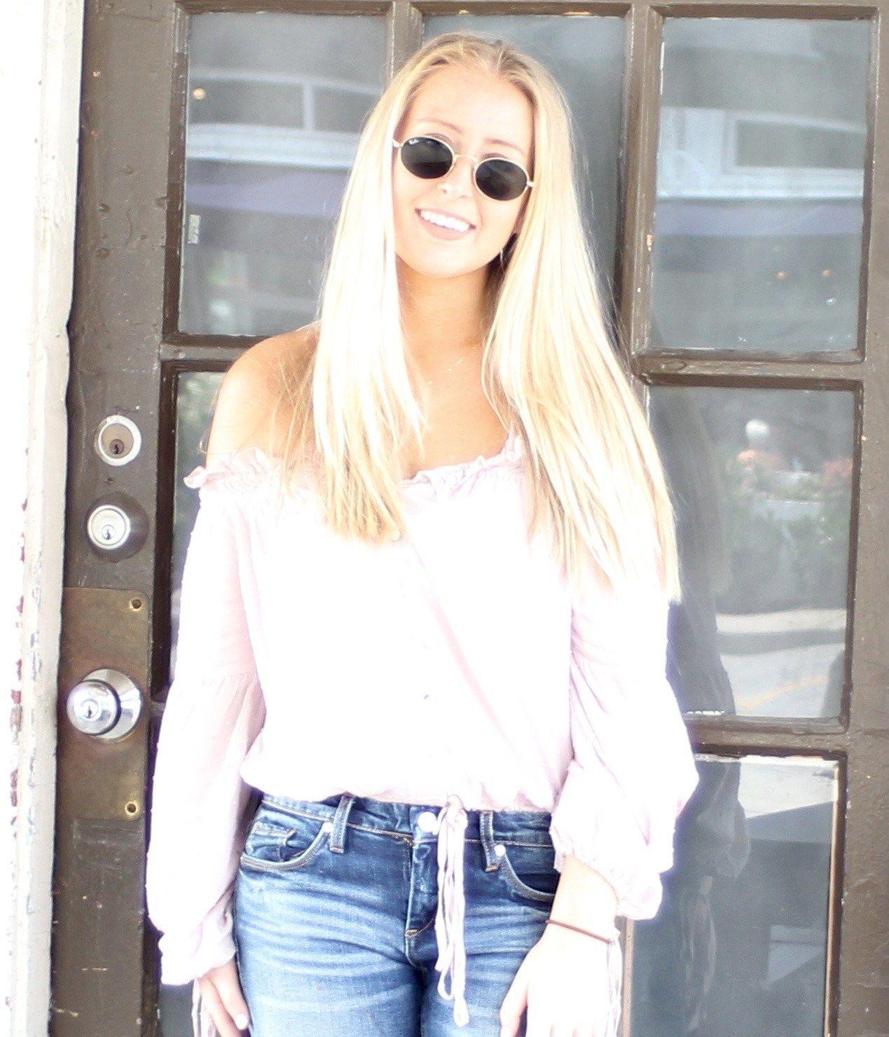 Ϸƽ̨ ˶ Ǯ Ϸƽ̨ ߡ Blue shirt with jeans, Purple shirt, Fashion