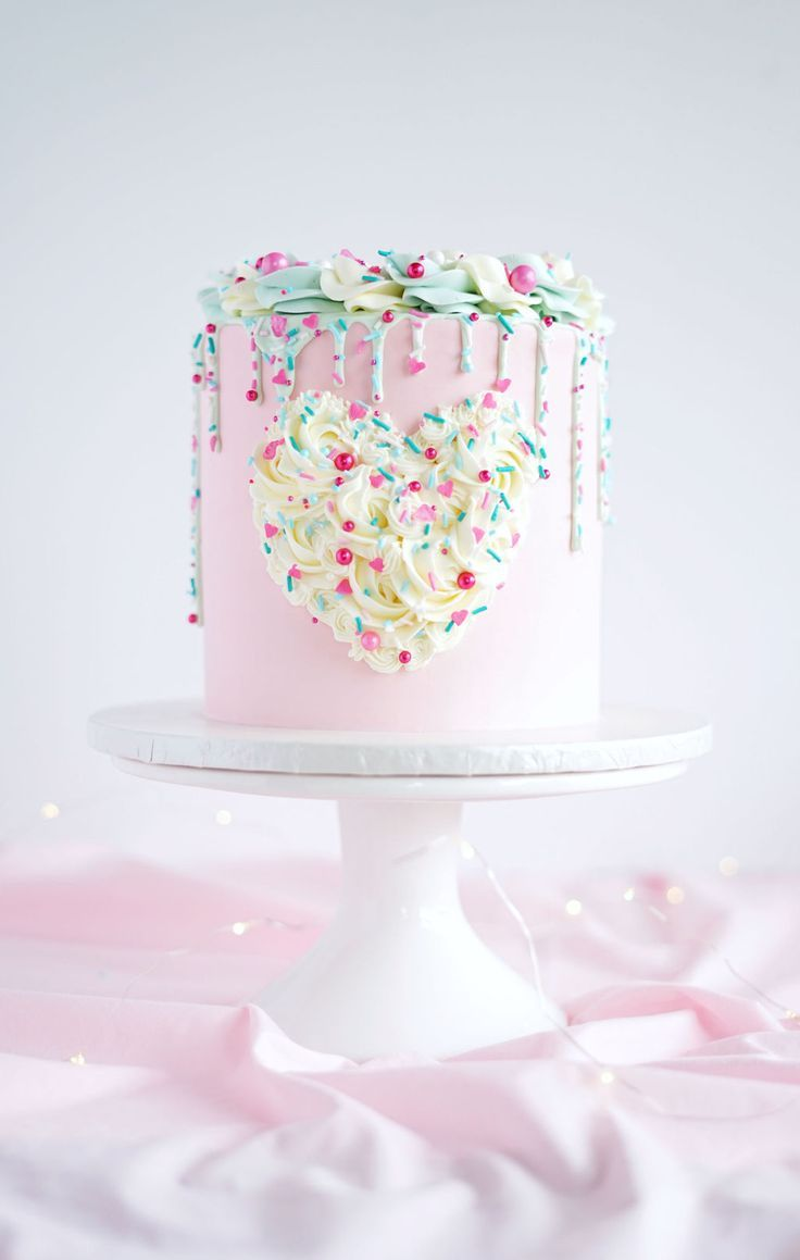 Food photography pink champagne cake pinkchampagnecake