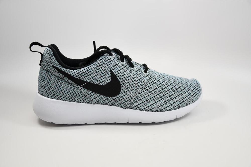 san francisco 38365 34a64 Nike Roshe One GS Pure Platinum Black White 599729 017 Grade ...