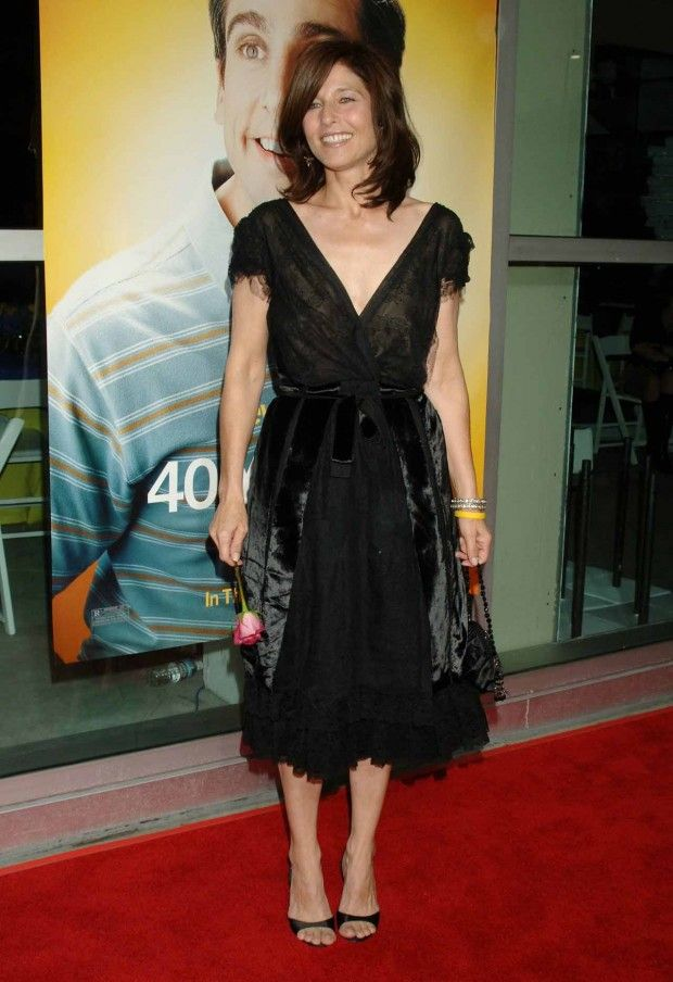 Catherine Keener Feet | Formal dresses long, Body measurements, Bra sizes