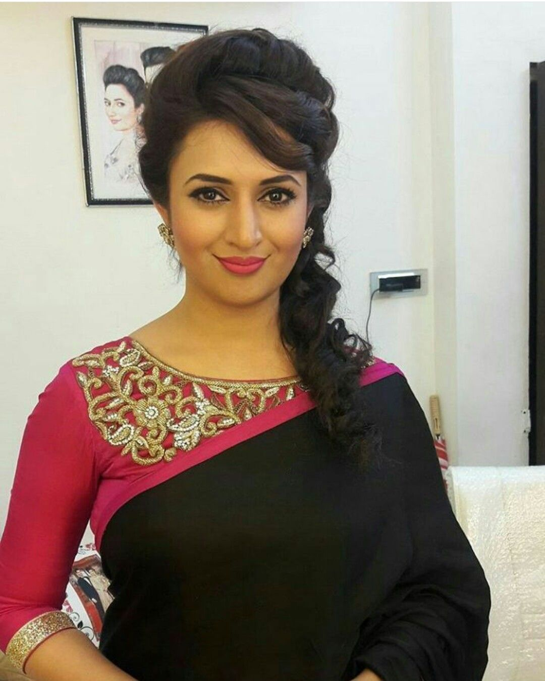 Saree Hairstyle: Pin By Nisha V On Saree Blouse Design