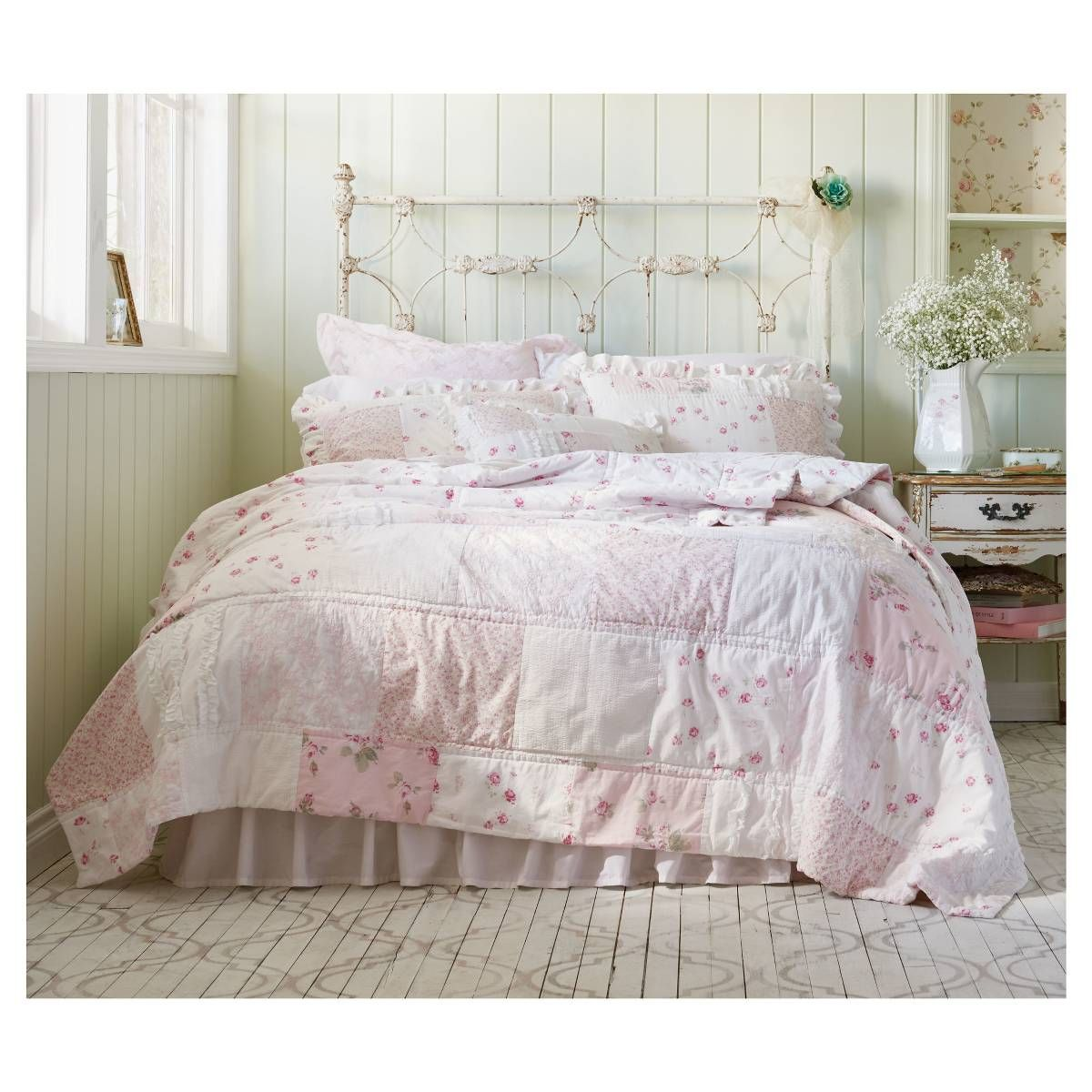 Ditsy Patchwork Bedding Collection Simply Shabby Chic Image 2 Of 2 Chic Bedding Shabby Chic Bedding Shabby Chic Room