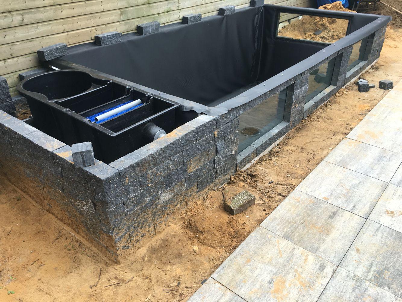 Koivijver met 4 ruiten fuentes o estanques pinterest for Estanque koi construccion