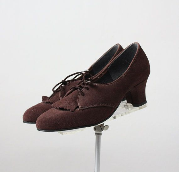 vintage 1960s brown suede oxford pumps