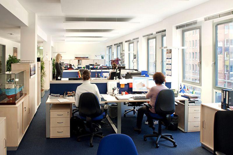 Lloyd's Register ist eine der führenden und ältesten Schiffsklassifikations- und Risiko-Management-Organisationen. Das Unternehmen hat es sich zur Aufgabe gemacht, die Qualitäts-, Sicherheits- und Umweltstandards sowie die Geschäftsergebnisse Ihrer Kunden zu verbessern