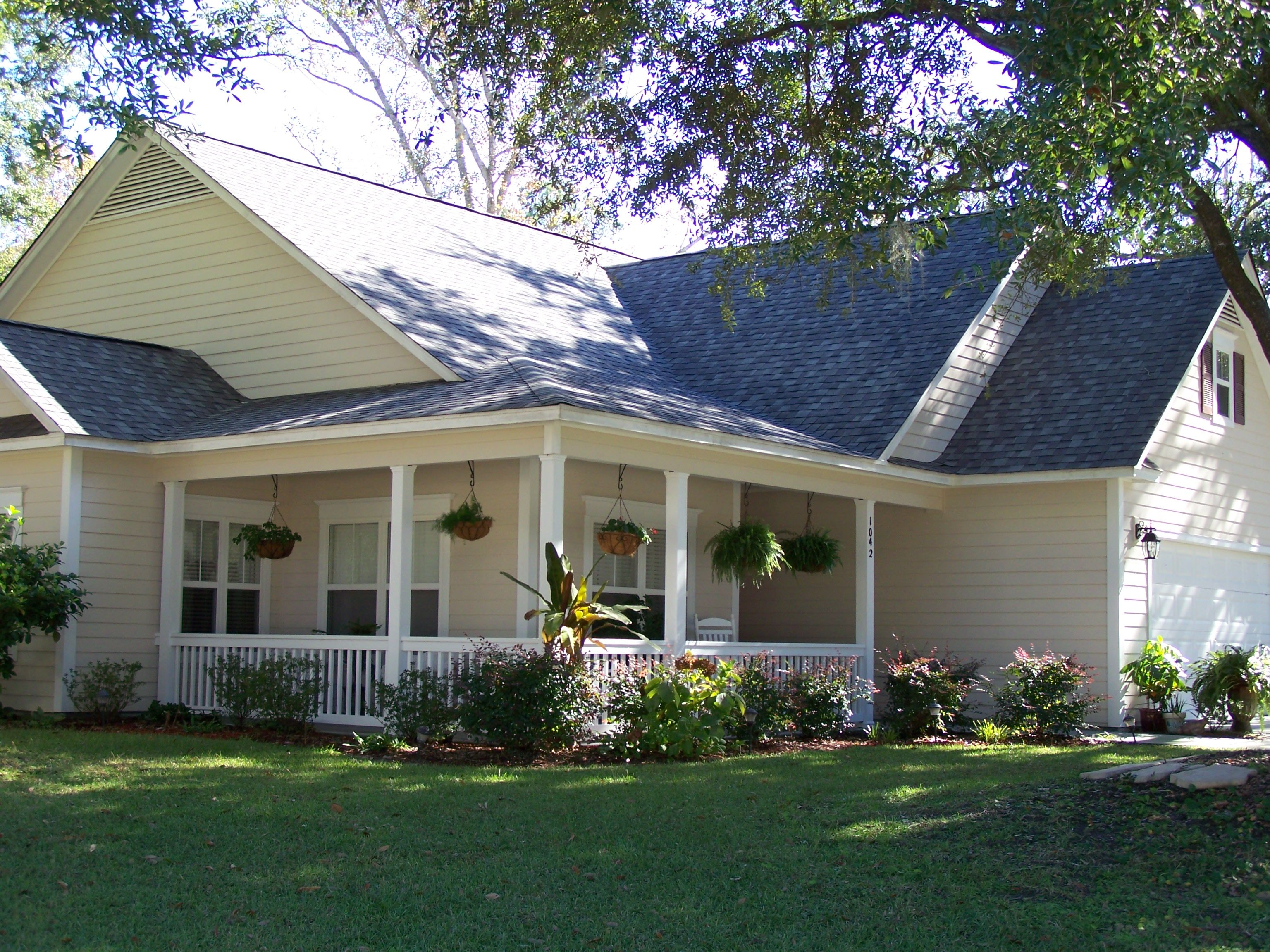 Cozy Porch Old Style House Hawaii Homes Real Estate