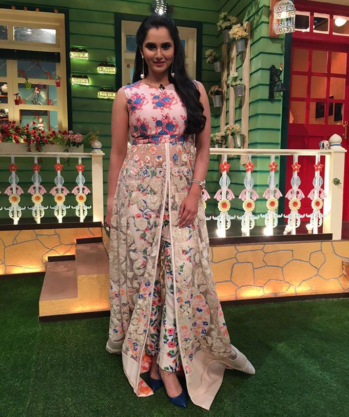 Sania Mirza's Floral Dress Steals the Hearts | Showbiz Bites | Party wear  dresses, Evening outfits, Bridal lehenga red