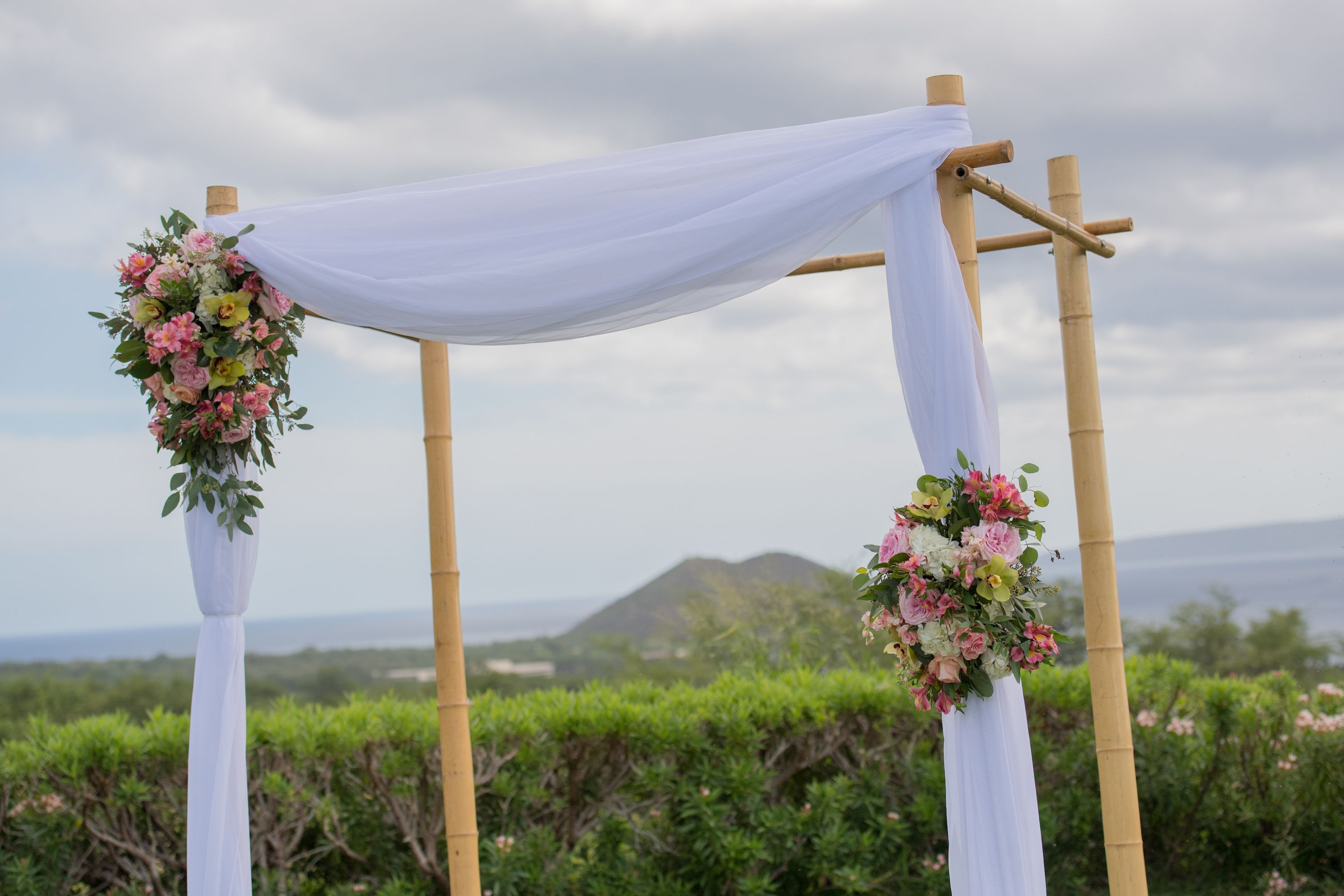 Wedding Canopy Floral Arrangements With Roses Cymbidium Orchids