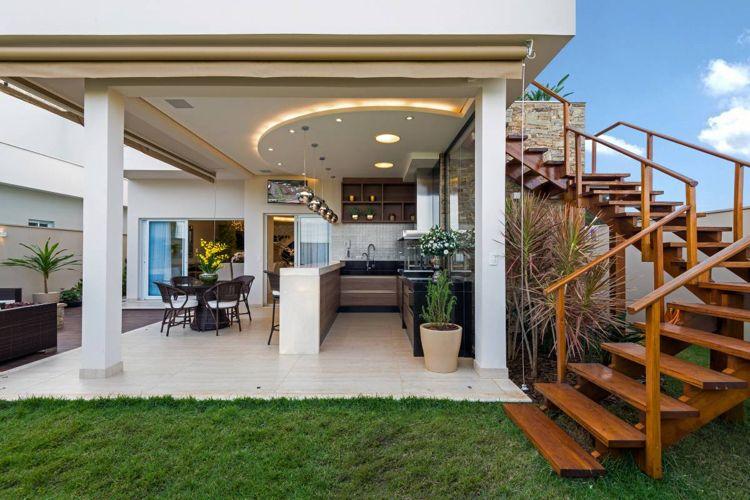 Sommerküche Auf Terrasse : überdachte terrasse sommerküche abgehängte decke garten