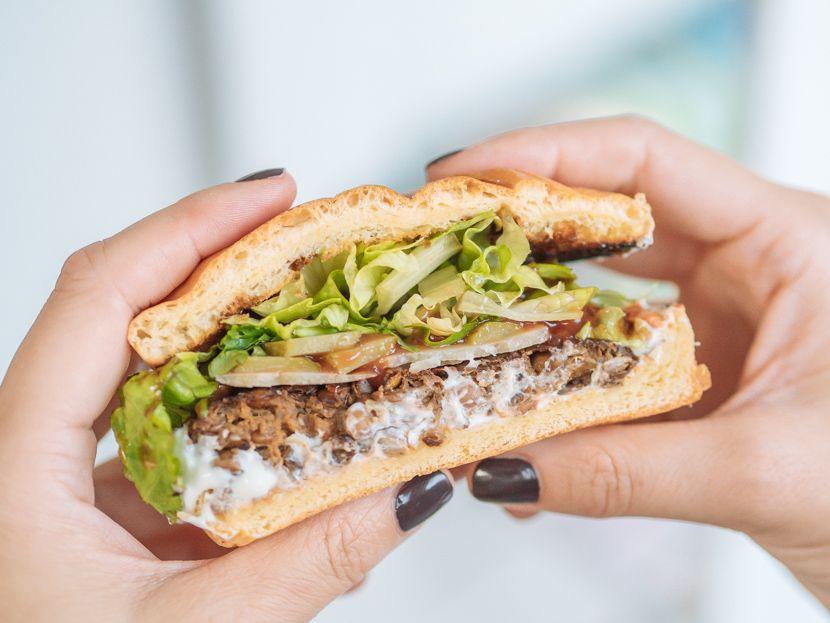 Veggie Burger Patties aus Linsen und Pilzen – einfach selbst gemacht #vegetarischerezepteschnell