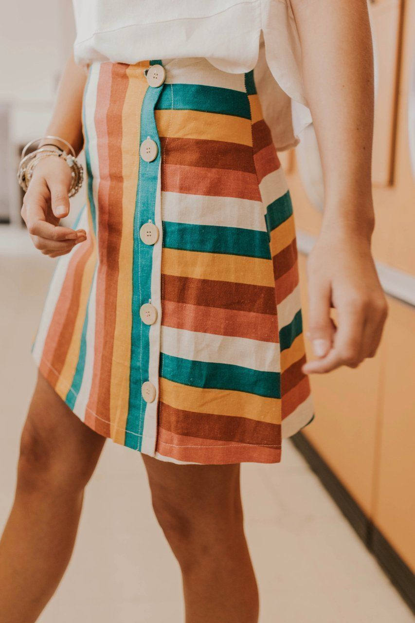 Retro Stripe Skirt Outfit Ideas Cute And Colorful Outfit Ideas For Women Fashion Trends 2019 Vibrant Color Ou In 2020 Colourful Outfits Striped Skirt Outfit Clothes