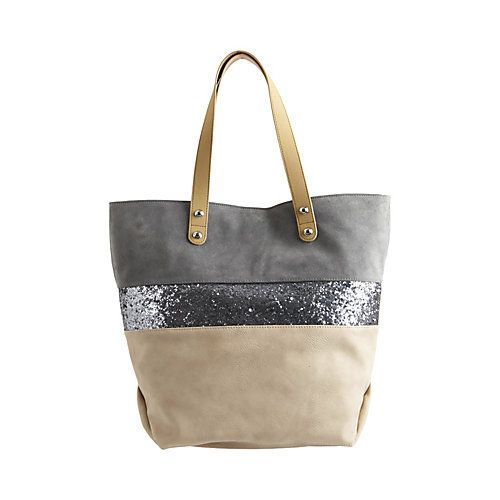 Pretty tote! If only it had a zipper closure up top. Then it would be perfect!