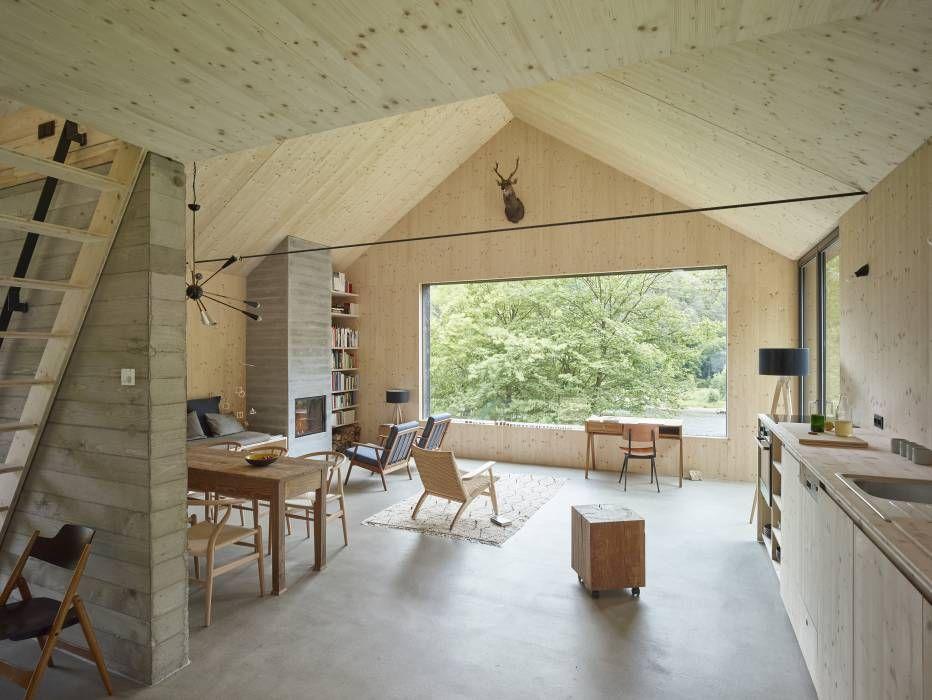 Haus Am Thurnberger Stausee: Modern Wohnzimmer Von Backraum Architektur