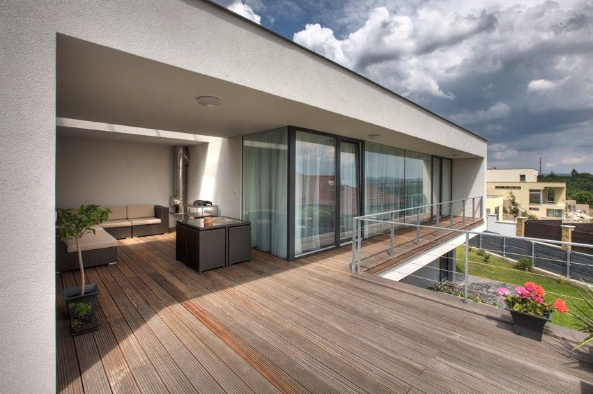 modern view decking