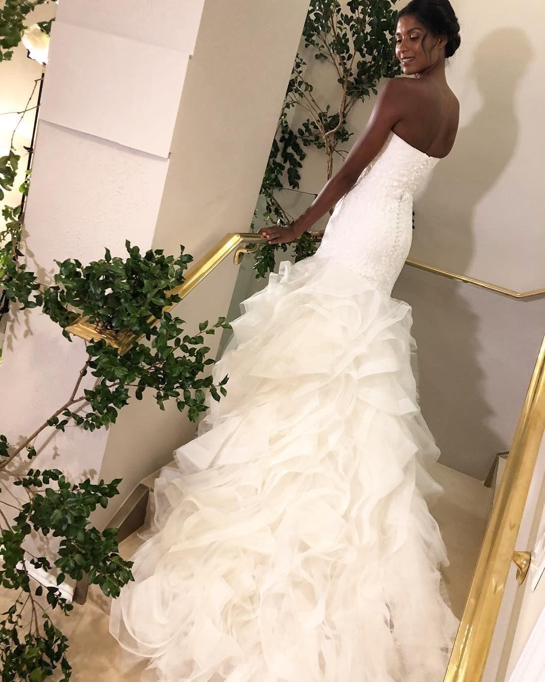 Strapless mermaid ruffled skirt wedding dress with long train