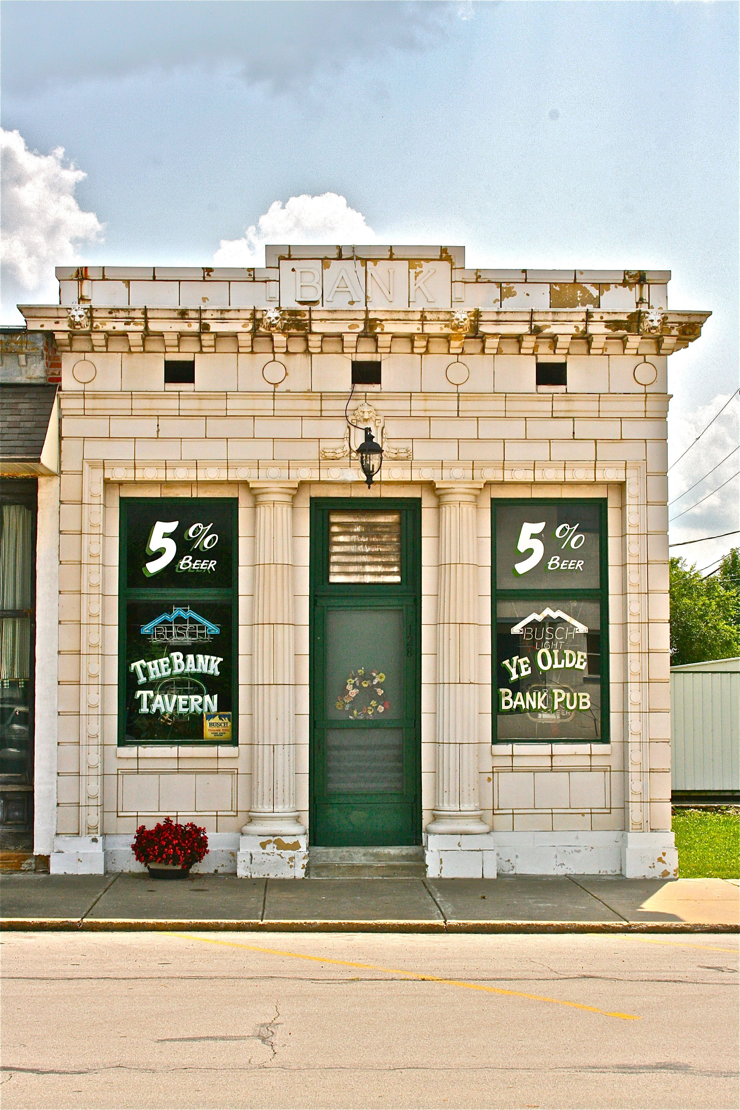 Bank Tavern In Billings Mo Has Been In Operation Since 1933 When The Bank Closed Robert Mccormick Cute Little Houses Old Barns Tavern