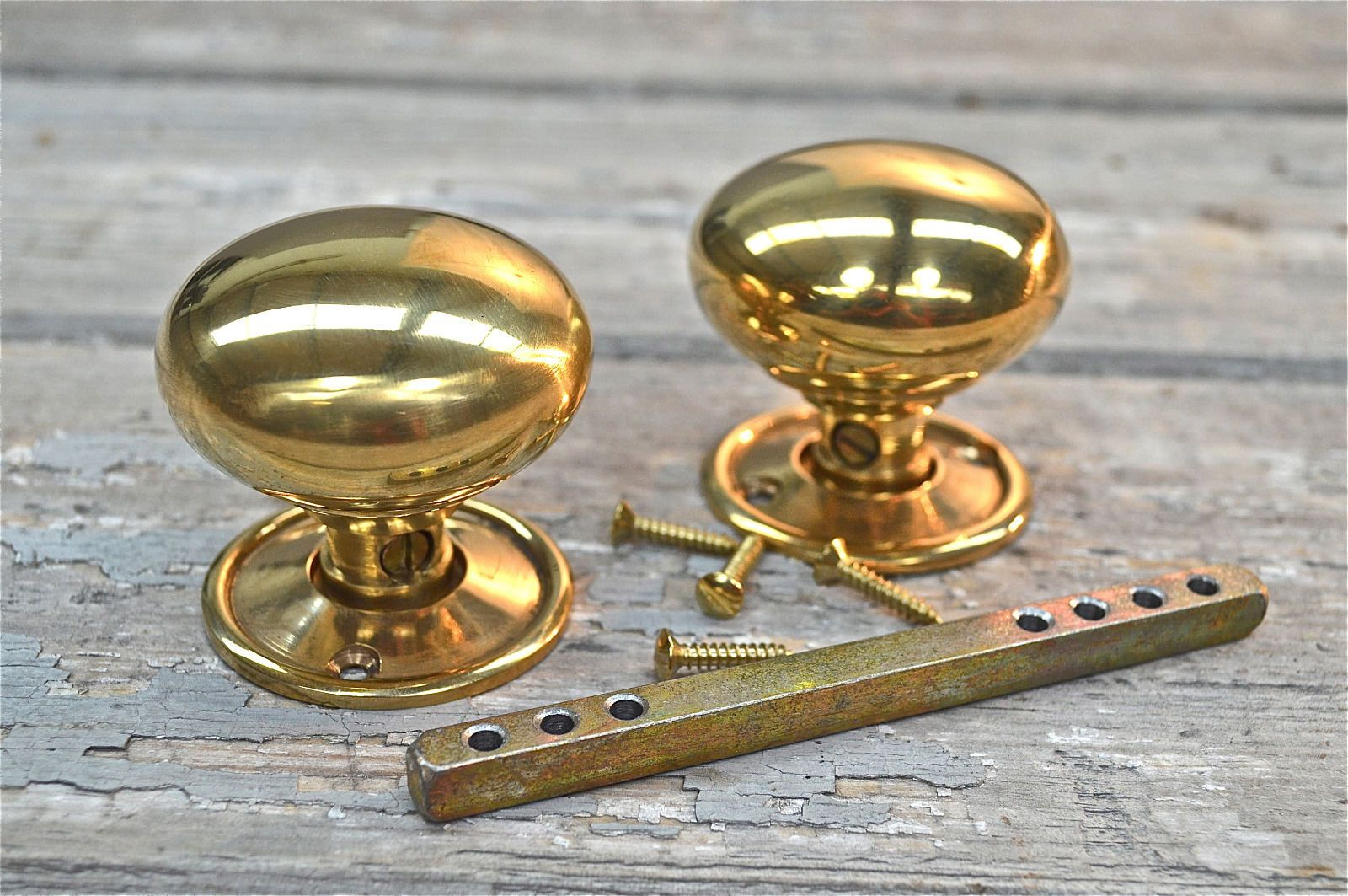 A pair classic victorian brass door knobs internal door knob