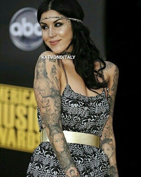 Katvonditaly Katvond Tattoo Girl High Voltage Tattoo Kat Von D Rings Hands Cross Fashion Skull Dark V Kat Von Kat Von D Kat Von D Tattoos