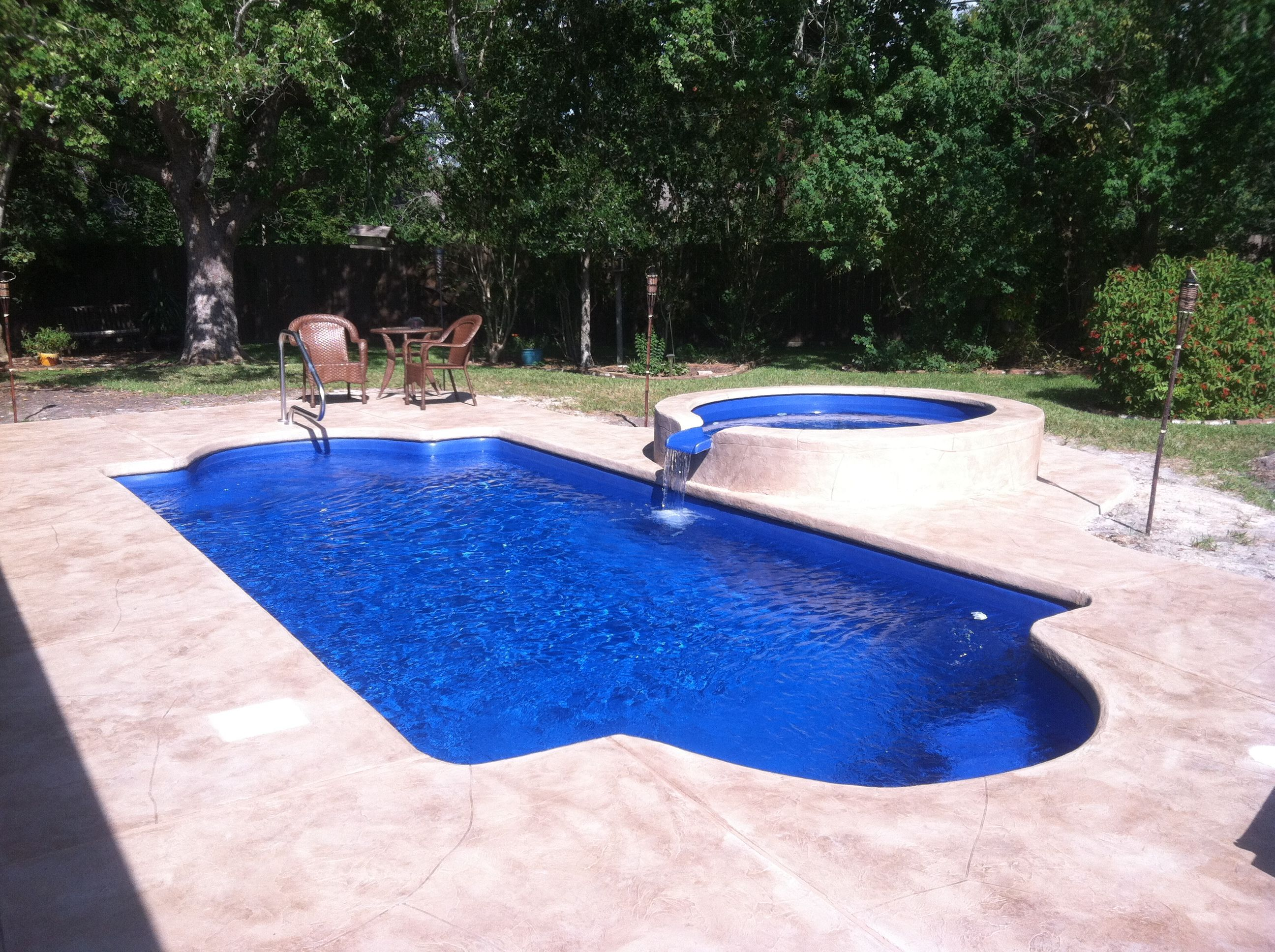 stamped concrete | Pool | Pool house plans, Small pool ...